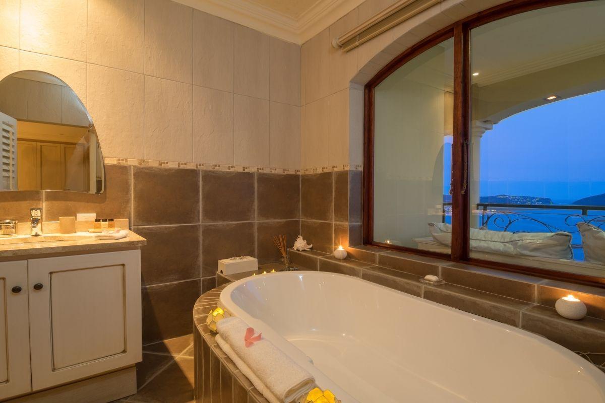 ZAInternetVilla-ParadisaCoral-Bathroom