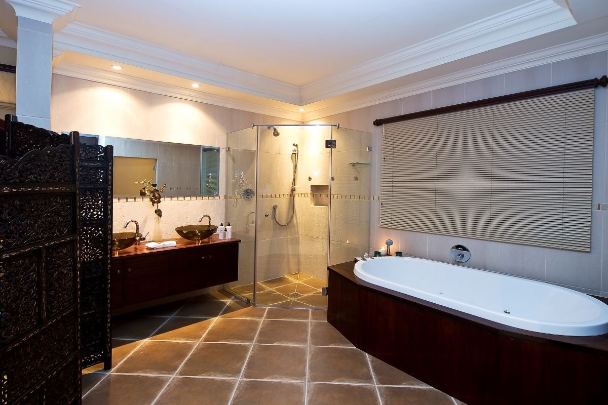 ZAInternetVillaParadisaOyster-Bathroom